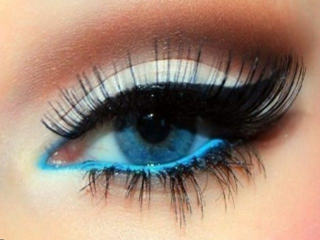 Sexy makeup for blue eyes.jpg