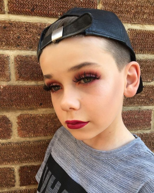 10 year old makeup by jack 12 59280e5712c52__700.jpg