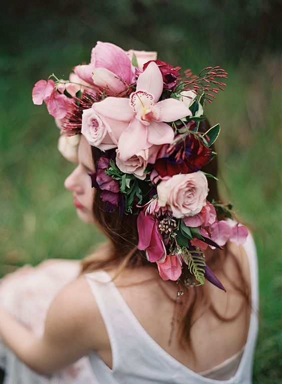Floral crown by fallon shea jess wilcox via magnolia rouge.jpg