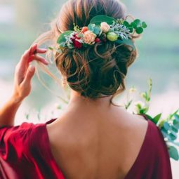 Greenery wedding hair ideas marianlogoyda.jpg