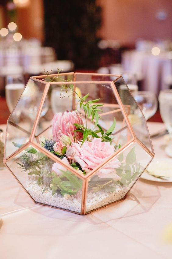 Modern geometric wedding decor.jpg