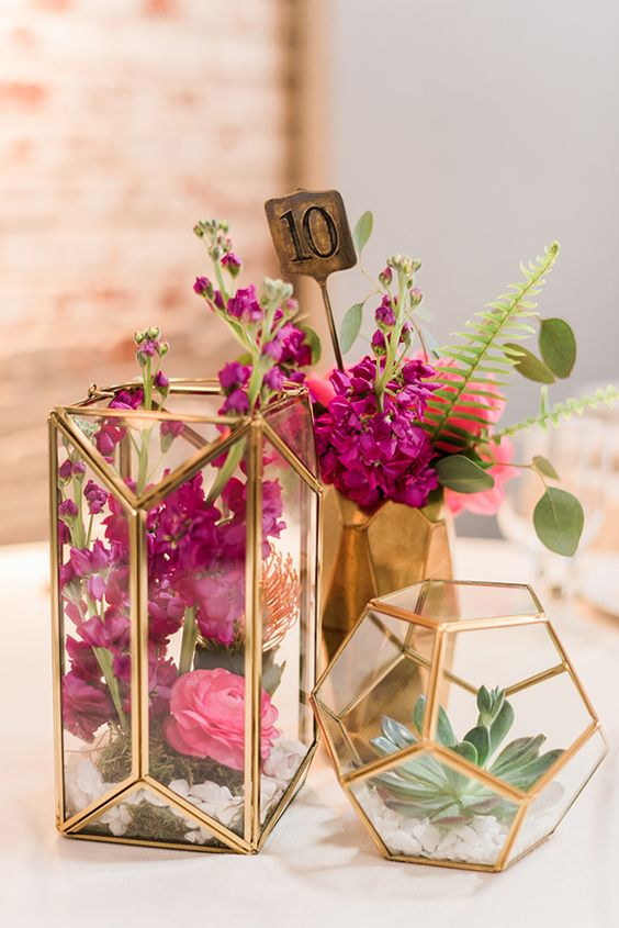 Modern gold wedding centerpiece.jpg