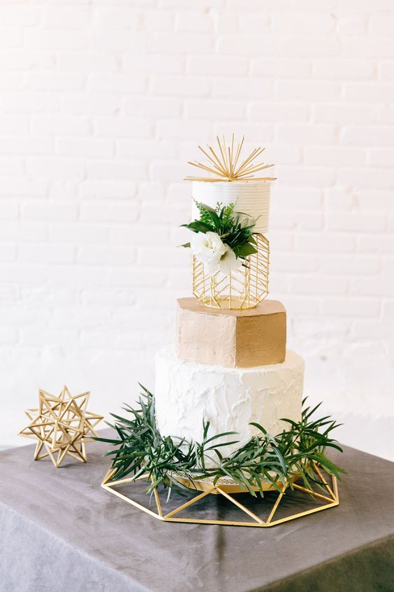 Modern industrial geometric wedding cake via photography kim lyn photography.jpg