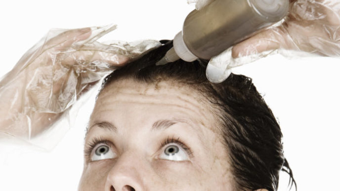 O woman dying hair facebook 768x384.jpg