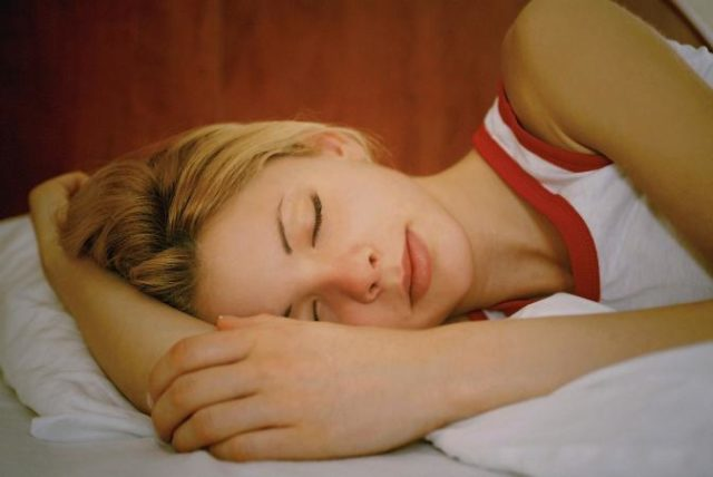 201953 673x450 woman sleeping.jpg