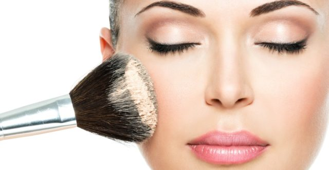 Makeup blog strobing learning makeup feature image.jpg