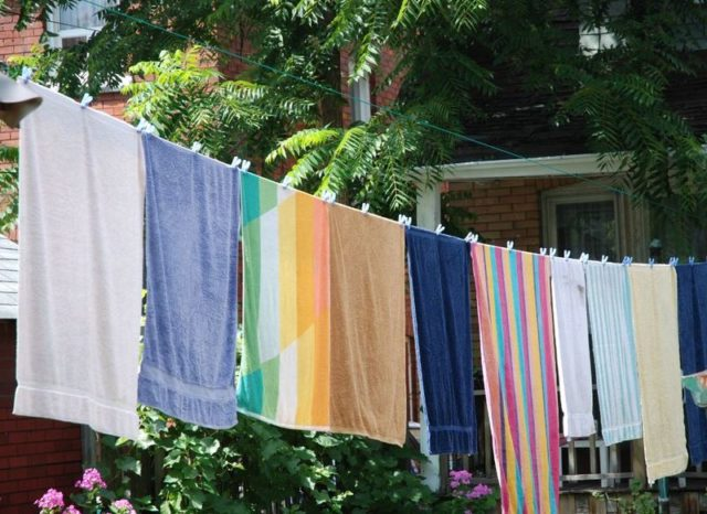Towels washing line drying sunshine clothes pegs fresh air1.jpg