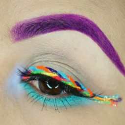 Unicorn eyeliner makeup 3 5953426bb7d2b__700.jpg