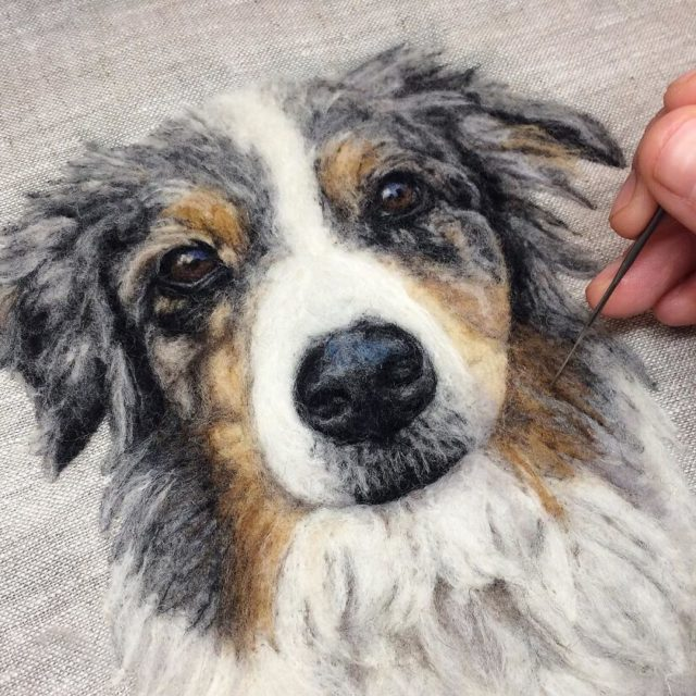 Artist draws realistic portraits using embroidery technique 599e8a22a0210__880.jpg