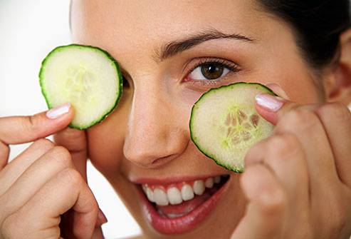 Cucumber on eyes benefits.jpg