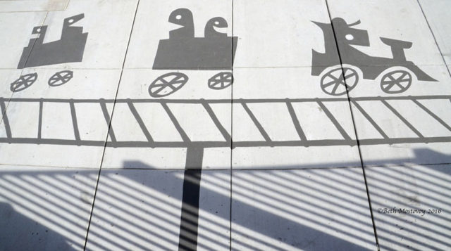 Fake shadow street art damon belanger redwood california 3 599bf26ac3d97__880.jpg