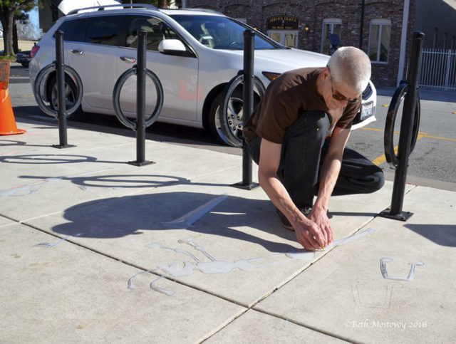 Fake shadow street art damon belanger redwood california 8 599bf27451e53__880.jpg