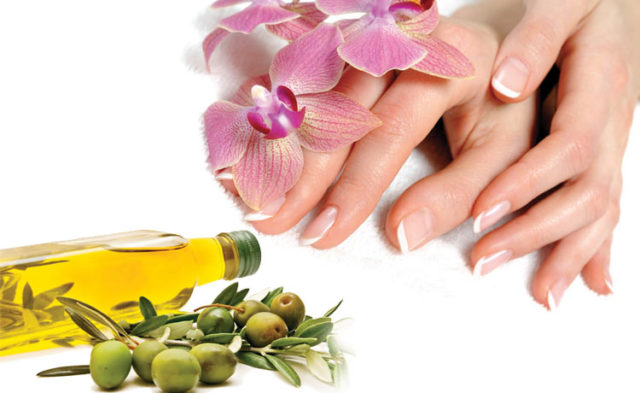 Skin care tips olive oil hands massage healthy glowing__.jpg