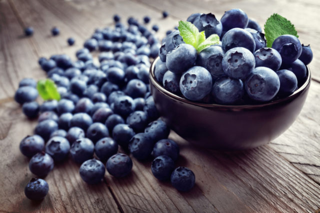 0726_fea_health blueberries.jpg