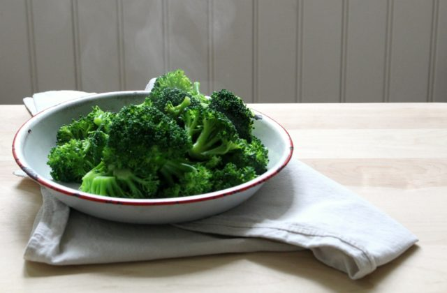Steaming broccoli.jpg