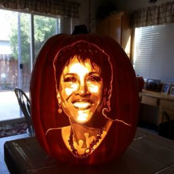 Artist uses pop culture as a theme to sculpt his pumpkins 59e082e55caba__700.jpg