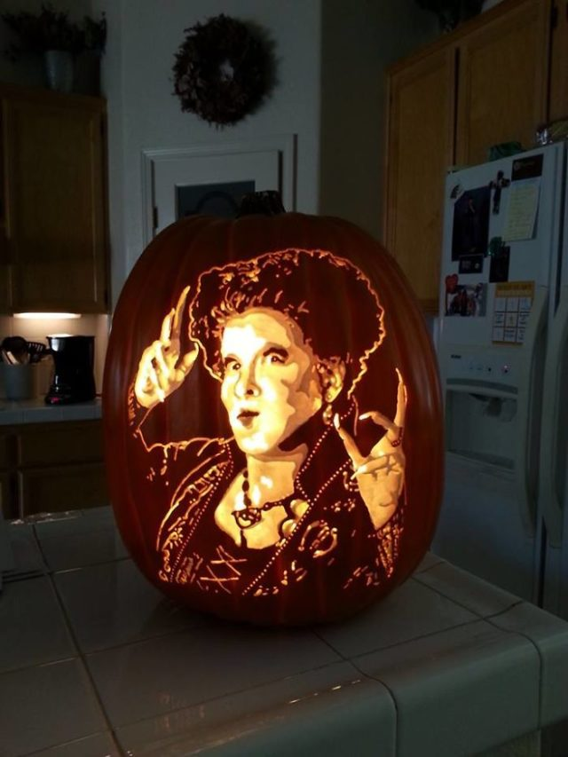 Artist uses pop culture as a theme to sculpt his pumpkins 59e082f7a8460__700.jpg