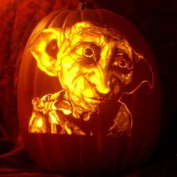 Artist uses pop culture as a theme to sculpt his pumpkins 59e08300ca5b6__700.jpg