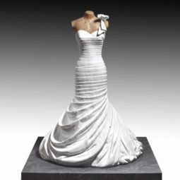 Artist makes impressive sculptures of accessories and fashionable clothes in marble 5a04f9567dc79__700.jpg