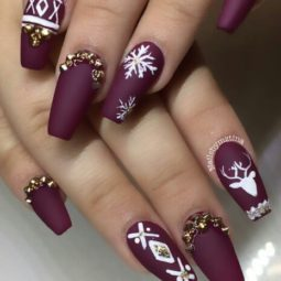 Pretty nails design ideas for christmas 2017 15.jpg