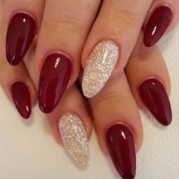 Pretty nails design ideas for christmas 2017 17.jpg