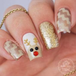 Pretty nails design ideas for christmas 2017 20.jpg