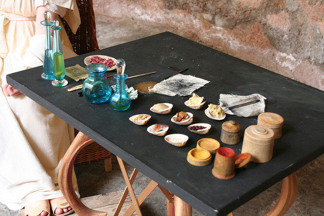 Roman cosmetics display.jpg