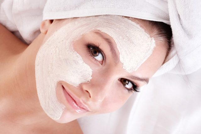 Bigstock young woman with clay facial m 21188573 1050x700.jpg
