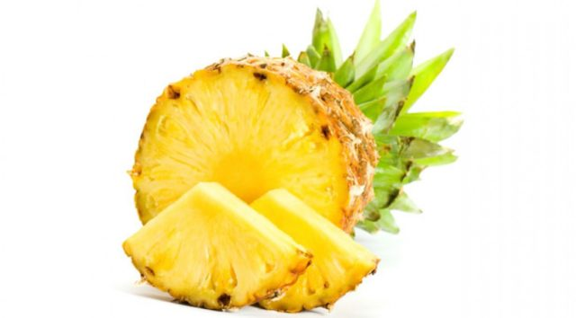 Pineapple fruit.jpg