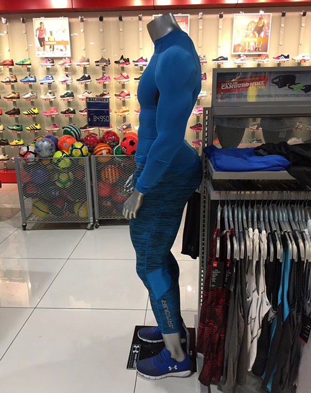 Funny mannequins 4 5ab5092f88ccb__605.jpg