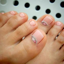 Toe nail art ideas 1.jpg