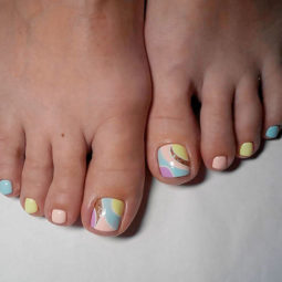 Toe nail art ideas abstracted pale gold glitter.jpg
