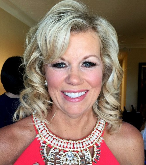 4 blonde curly mother of the bride hairstyle.jpg
