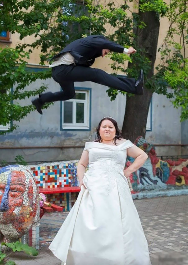 Funny weird russian wedding photos 137 5ac48f79a11e1__605.jpg