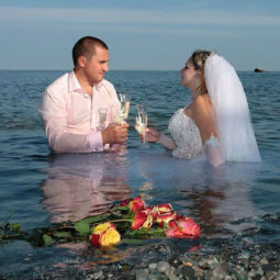 Funny weird russian wedding photos 159 5ac49bd3577ff__605.jpg
