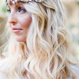 Wedding hairstyle trends blond curls locksbyleslie 334x500 1.jpg
