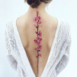 Spine tattoo ideas designs 30 5ac39665af9b3__605.jpg