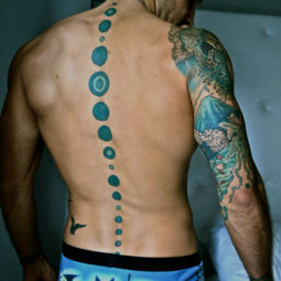 Spine tattoo ideas designs 451 5ad451714006c__605.jpg