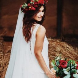 Wedding hairstyles for long hair girl with red flower crown andrey volkov 334x500.jpg
