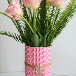 Using paper straws to makeover a vase for spring.jpg