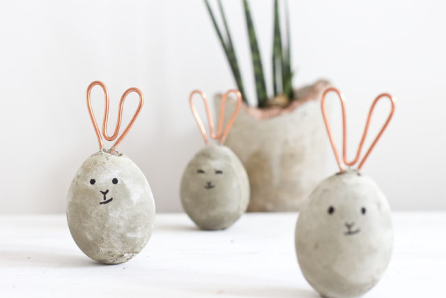 Diy copper concrete bunnies look what i made.jpg