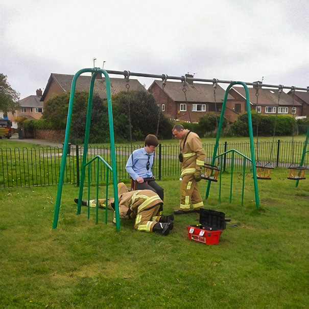 Funny adults stuck children playground 11 5c2f66b76f96f__605.jpg