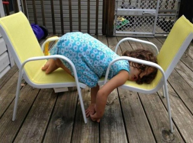 Pictures that prove kids can fall asleep anywhere 1.jpg