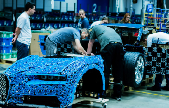 Constructing the bugatti chiron lego car.png