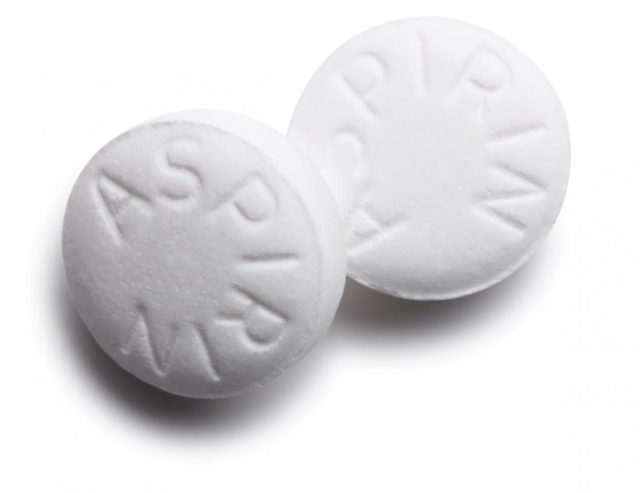 Two aspirin tablets.jpg