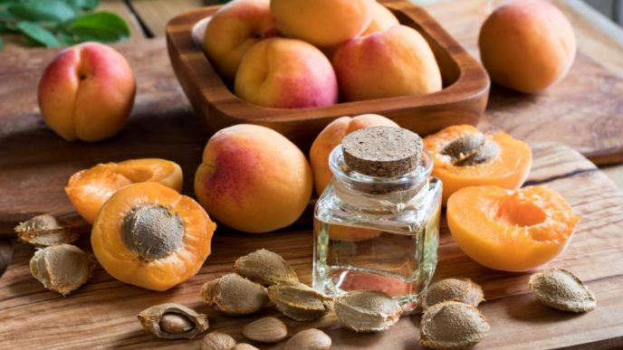 Apricots kernels and oil.jpg