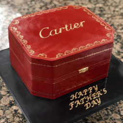Artist creates hyper realistic cakes inspired by objects and fruits 5d88698f00416__880.jpg