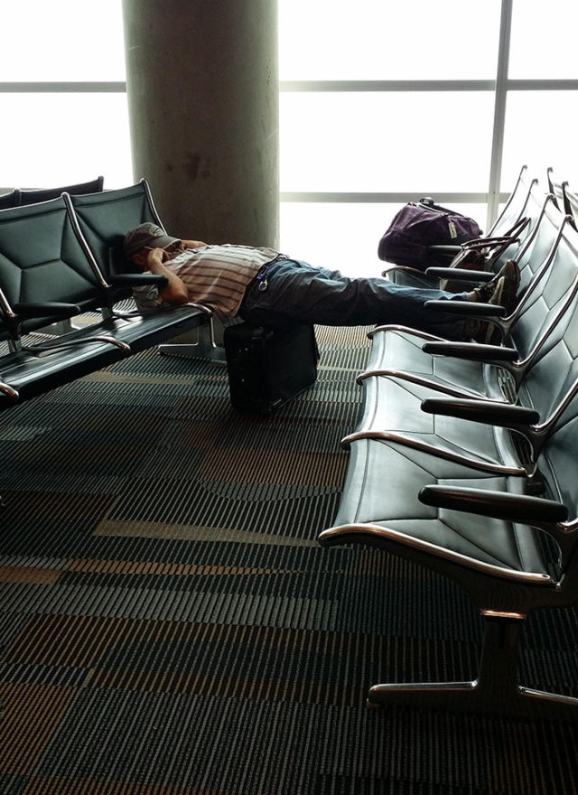 Funny people sleeping positions 69 5d7617ad80f96__700.jpg