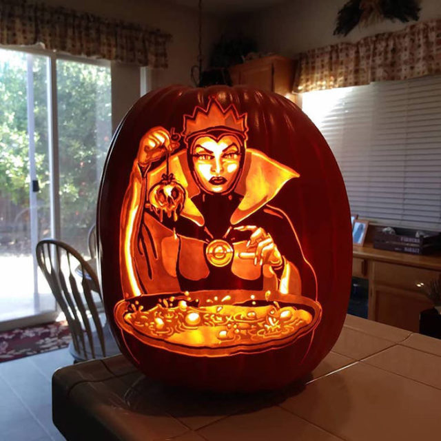 Cool pumpkin carving evil queen makes poison apple.jpg