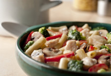 Chicken penne primavera large 24535.jpg